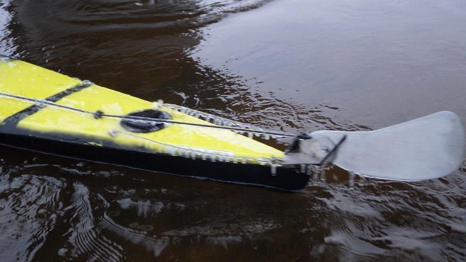 Apledėjusios baidarės ir vairai sunkino plaukimą